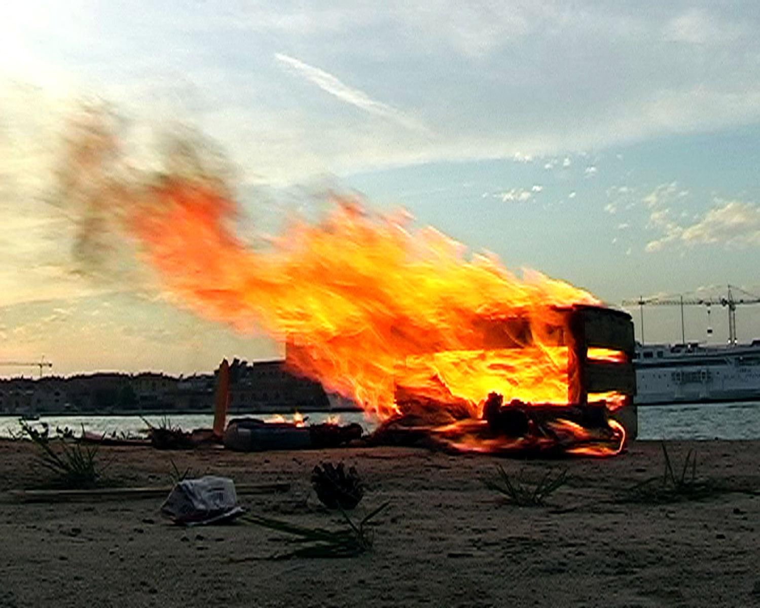 michel_couturier-bonfire03_2007